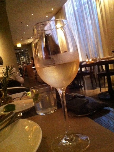 pump-room-wine